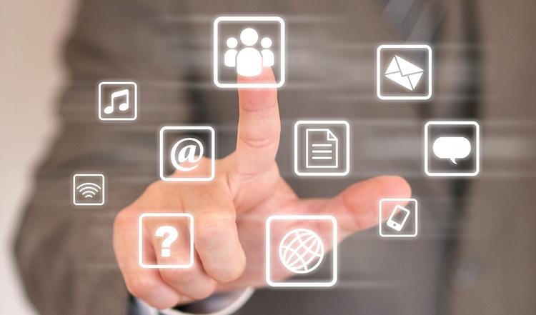 スピーディーに対応してくれるか、IT化による効率的なサポートができるか